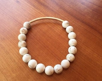 Natural Howlite Stretch Bracelet with Silver Plated Bar