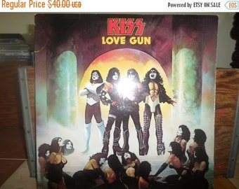 Save 25% Today Vintage 1977 Vinyl LP Record KISS Love Gun Very Good Condition First Pressing With Original Gun 4211