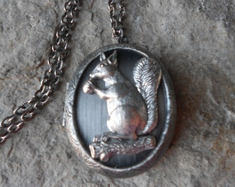 Squirrel with a Nut on a Log Antiqued Silver Locket!!! High Quality!!!  Photos, Keepsakes