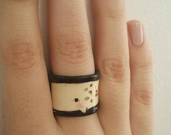 Ceramic whale ring w/gold lustre