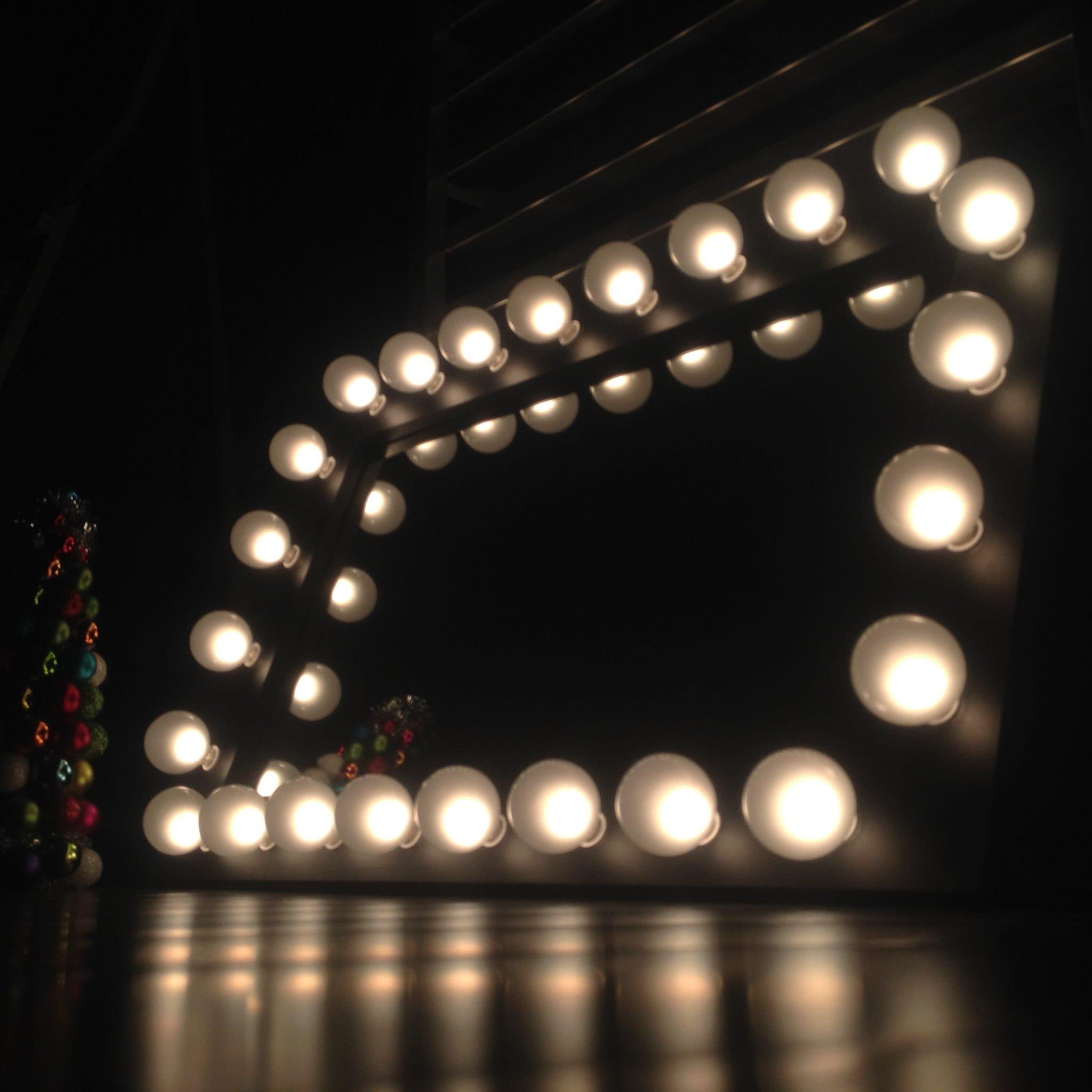 Lighted Vanity Mirror Etsy : WoodUBeMine Lighted make-up Vanity Mirrors by WoodUBeMine on Etsy