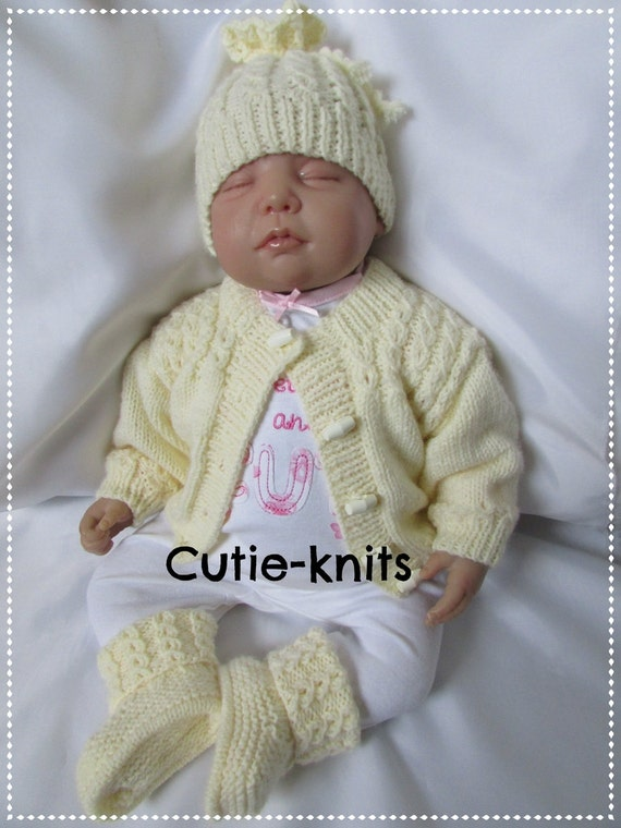 Knitting Pattern Baby Hat 12 Months : Pdf 33 knitting pattern for a baby girls or boys hat