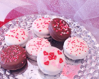 Valentines Chocolate Covered Oreo Cookies – 1 Dozen – Oreos Come Packaged as a Valentine's Gift