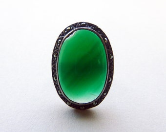 Sterling silver Art Deco chrysoprase and marcasite ring size 5.5