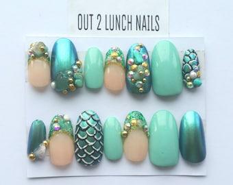 Mermaid, Gemstone, , Blue, gold, turquoise, green, Hand painted, Nail art, false nails, fake nails, glitter, gel nails, acrylic, rhinestones