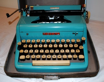 Sale!!! 1950s Royal Quiet Deluxe Typewriter