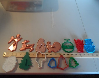Lof of 13 Christmas cookie cutters