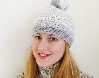Cap with Pompon grey/white