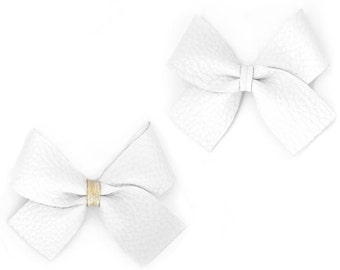 SWEETNSWAG Large HAIR BOW in Simply White