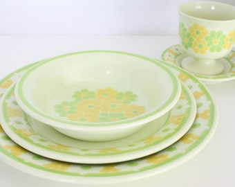 Franciscan Earthenware Picnic Dinnerware 00-75