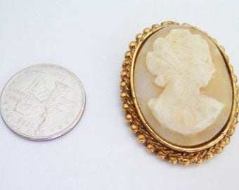 Vintage Shell Cameo Brooch / Pin / Cameo Brooch / Pin / Cameo Jewelry / Shell Brooch / Pin / Victorian Brooch / Pin / gold brooch / Pin