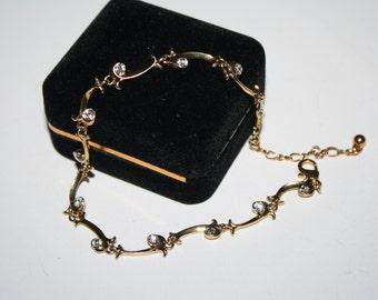 9 in Vintage Gold Toned Bracelet Or anklet with rhinestones    Elegant   Free US Shipping