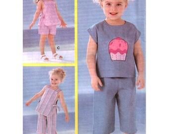 Simplicity Sewing Pattern 5573 Toddler's Top, Capri Pants, Shorts  Size:  A  0.5-1-2-3-4  Uncut