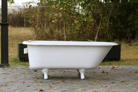 White refinished antique kohler 1964 5 39 roll rim cast iron for Porcelain clawfoot bathtub