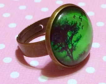 Emerald Green Tree Ring / Green and Bronze Ring / Gothic Ring / Nature Ring / Glass Dome Ring / Creepy Ring / Alternative Alt Horror Goth