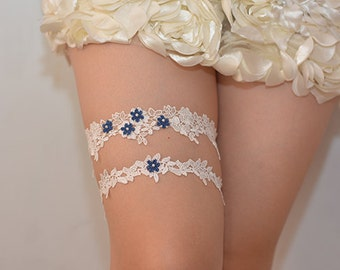 white bridal garter, lace garter, retro floral lace garter, wedding garter, garter with navy blue, something blue garter,toss garter