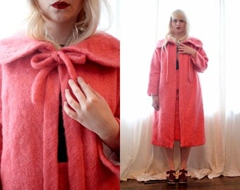 Vintage 1960s coral pink mohair wool jacket coat self tie open front Round collar Jackie O pockets