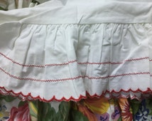 I thetic original Ralph Lauren white ruffled King pillowcases red scalloped edges zigzag trim