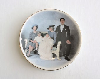 British Royal Family Plate, Price Charles, Princess Diana of Wales, Prince William Henry, Queen Elizabeth, Weatherby Collectible Plate