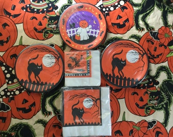 Vintage Halloween Party Plates and Napkins/Made in USA/American Greetings Corp/Cleveland, OH