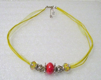 889 - NEW Yellow Beaded Necklace