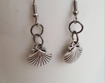 Sea Shells- Sea Shell Earrings- Earrings with Sea Shells- Sea Lover Earrings- Earrings of the Sea- Shells- Shell Earrings- Surgical Steel