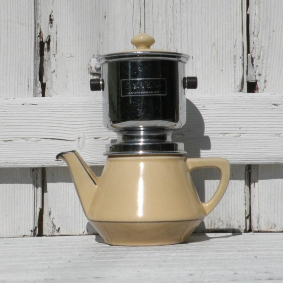 Small French cream vintage cafetiere, Salam filter, mid century, Paris apartment, country home, French coffeemaker, ceramic cafetiere, retro