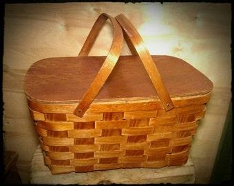 Vintage Plypanel Picnic Basket / Ply Lidded Wicker Picnic Basket / Dining Al Fresco / Le Pique Nique / Gift Idea / Storage Basket / F969