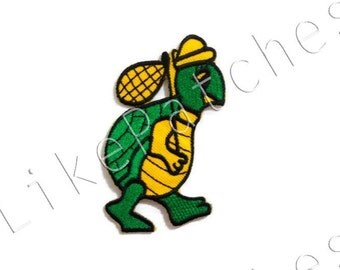 Green Turtle Cute Animal Cartoon New Sew / Iron On Patch Embroidered Applique Size 4.7cm.x8cm.