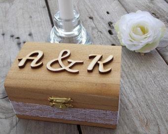 Ring box initials-ring box/ring/ring bearer box/wedding ring box at the decoratin