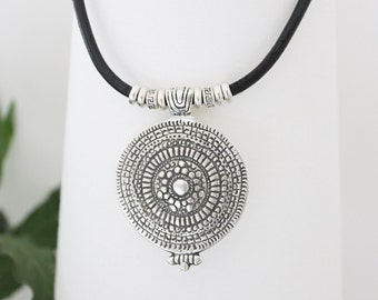 Boho jewelry, bohemian jewelry, hippy jewelry, bohemian necklaces, boho necklace, silver jewelry, fashion jewelry, ethnic jewelry, boho chic