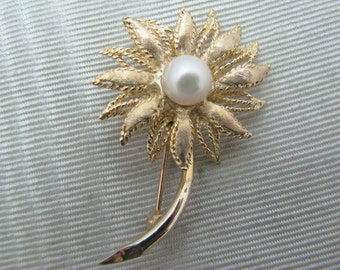 Beautiful Flower Brooch with a Center Pearl in 14k Yellow Gold