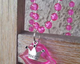Pink princess party favor beaded necklace, lip party favors, lip necklace favors