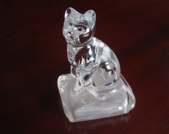 Glass Cat Figurine Figure on a Frosted Base Collectible Figurine Home décor L1259