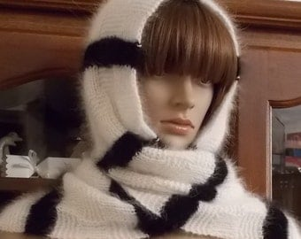 Scarf hooded Angora graphic black and white