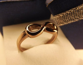 Infinity Promise Ring. Eternity ring design. chocolate brown