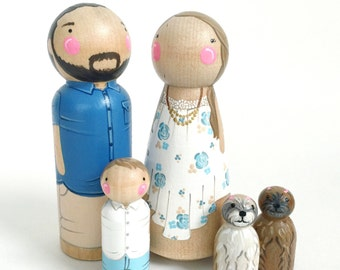 Custom peg doll family of 5 // 2 parents // 3 kids/pets // personalized peg dolls // wooden dolls // custom family portrait // wooden toys