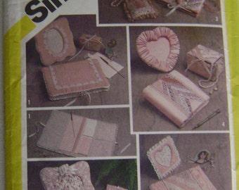 VINTAGE Simplicity Pattern 5296 Desk and Dresser Accessories