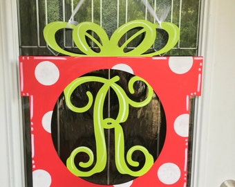 Christmas present door hanger, Christmas door hanger, Christmas door decor