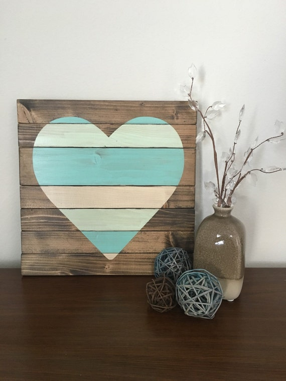 Heart pallet wall art heart decor heart wall art bedroom for Wooden heart wall decor