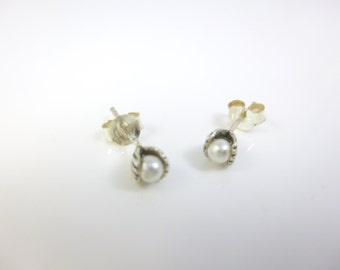 Pearl Stud earrings, Sterling silver Earrings, Tiny Earrings, Post earrings