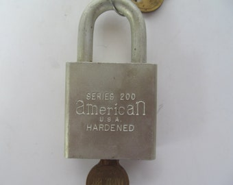 American Pad Lock Key entry  200 Series Vintage  Lock