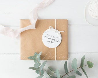 Gift tag mock up - Styled stock photography - Soft and feminine - High Res Jpeg file - Perfect for brush lettering, illustration, mockups