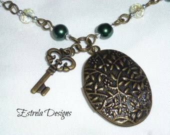 Antique Gold Vintage Locket/Rosary with Key Charm (Green)