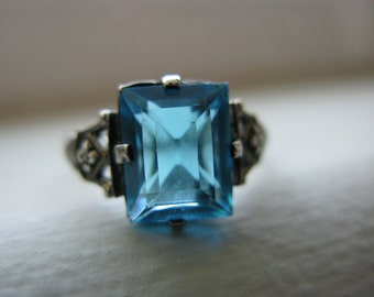Sterling Glass or Sone Ring Size 9