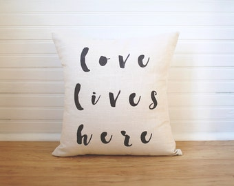 Love Lives Here Pillow Gift for Newlyweds Wedding Pillow Linen Pillow Wedding Gifts Throw Pillow Last Name Pillow Engagement Gift Pillow