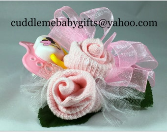 Baby shower one pair baby sock wrist or pin on corsage with a pacifier