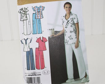 Large Size Scrubs Top and Pants Pattern, UNCUT Sewing Pattern, Simplicity 3705, Size 16-24