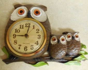 Vintage Burwood Products 1972 New Haven Owl Clock