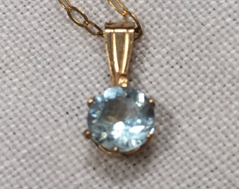 Dainty and sparkly topaz sterling silver pendant